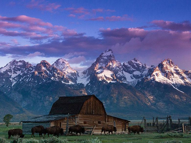 Địa điểm: Ngọn núi Grand Teton thuộc dãy núi Teton nằm trong vườn quốc gia Grand Teton, tiểu bang Wyoming