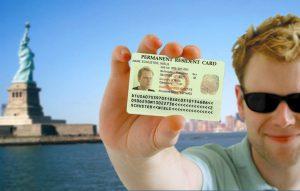 """Triệu đô … cho một chiếc """"thẻ xanh"""" định cư ở Mỹ"""
