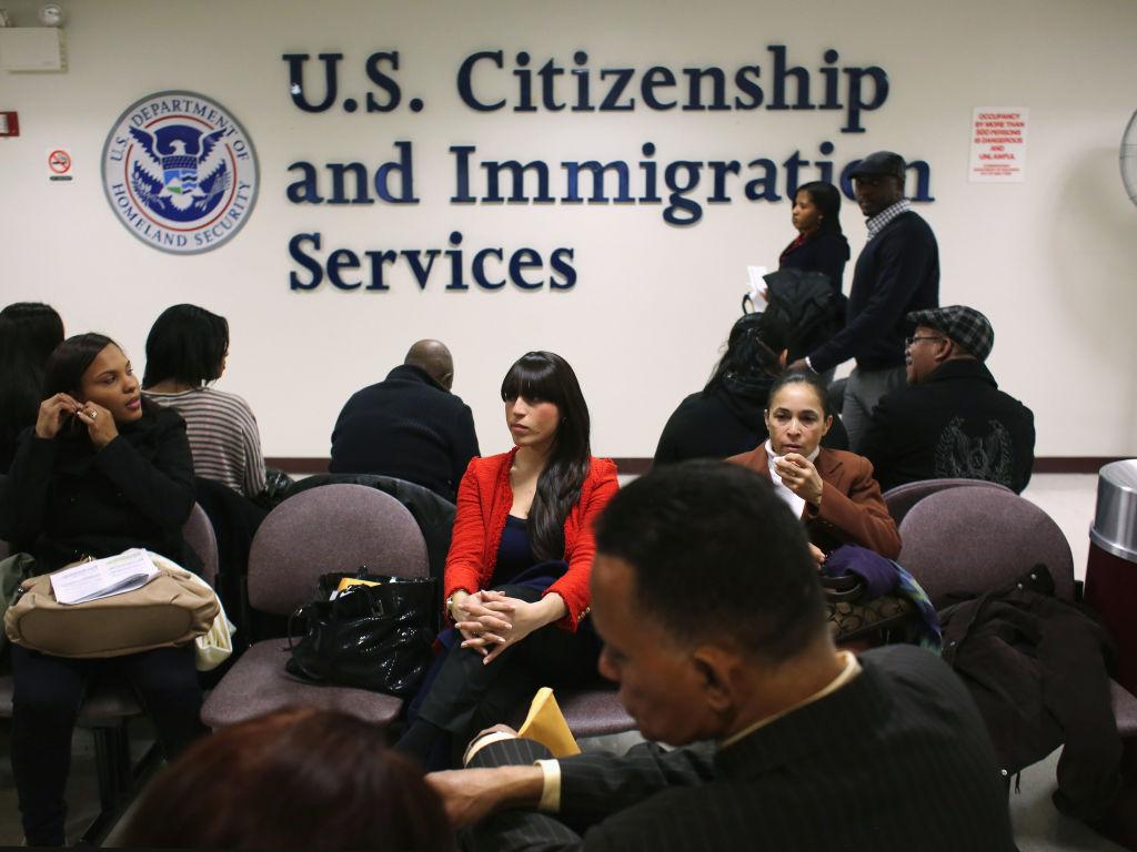 Duy trì diện thường trú nhân Hoa Kỳ để xin nhập tịch