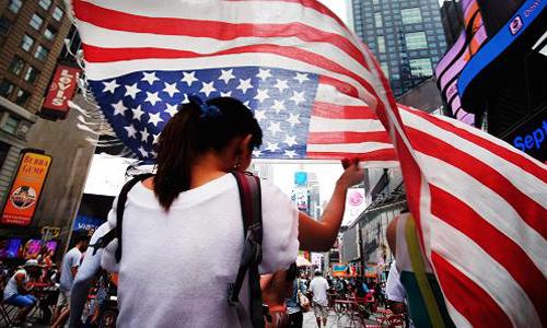 Người Mỹ ngày càng thích không đi làm cũng có tiền mỗi tháng