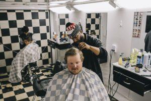 Tại thị trấn bùng nổ dầu mỏ ở Mỹ, kể cả thợ cắt tóc cũng có thể kiếm được 180.000 USD/năm